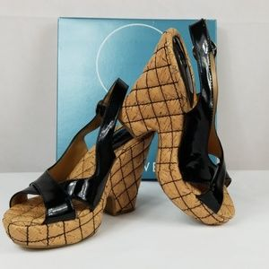 Nine West Favoretta3 quilted heel Size 8